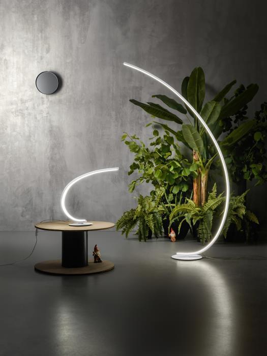 Lampada Da Tavolo Moderna A Led Con Braccio Rigido Oro Iole